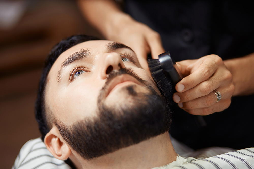 Bartbürsten in vielen Varianten – nie mehr Knoten im Bart!