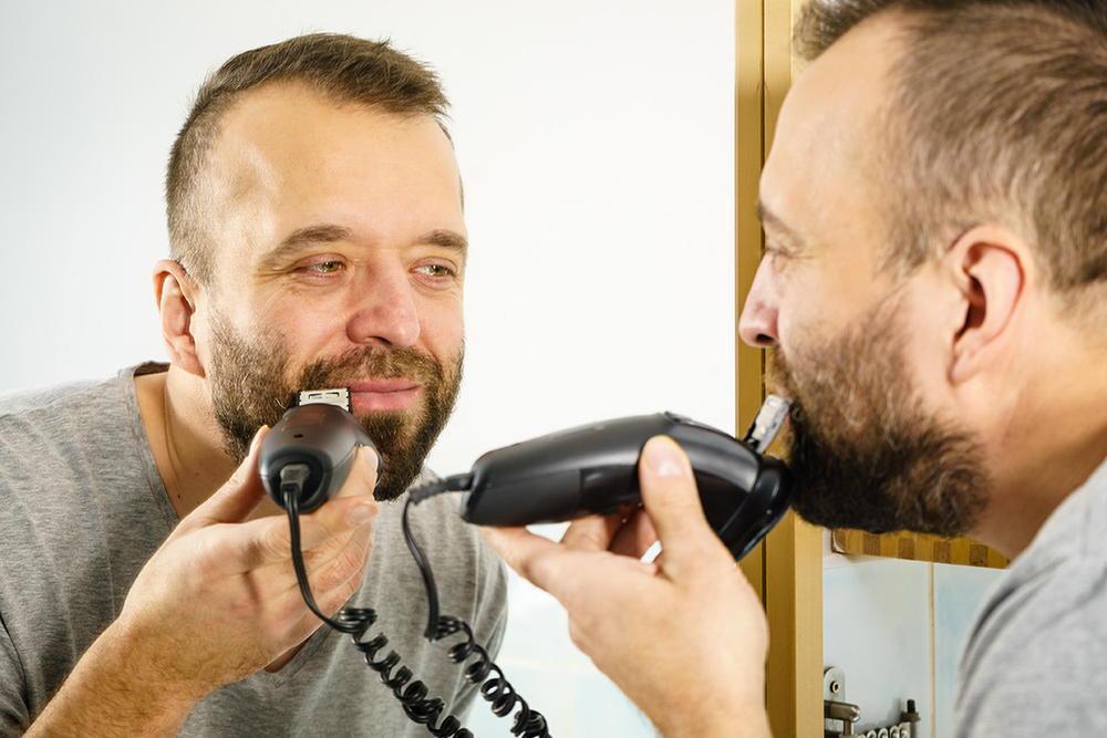 Elektrischer Bartschneider