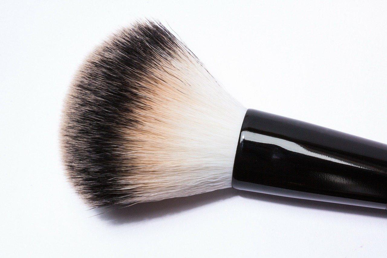 Bartpflege Set mit Bartbürste im Vergleich
